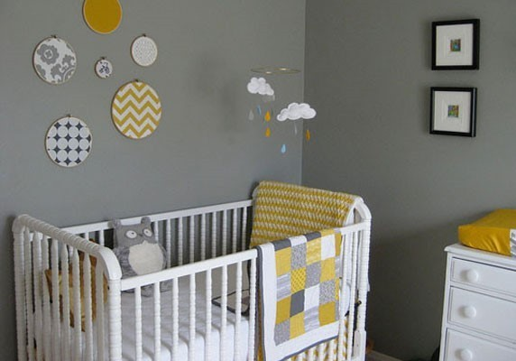 Aménager une chambre d'enfant - peindre les murs, poser le sol, monter des meubles ou encore poser des étagères, autant de tâches sur lesquelles les Jobeurs peuvent vous aider !