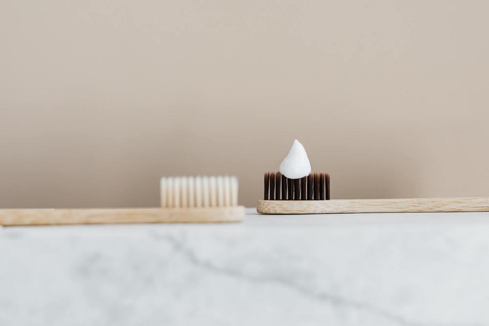 Du dentifrice : efficace contre les taches de sang sèche