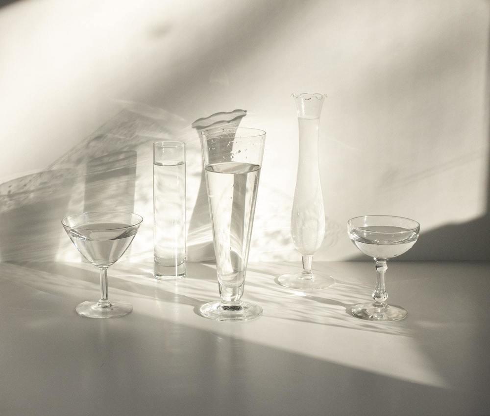 Un set de verre avec du calcaire