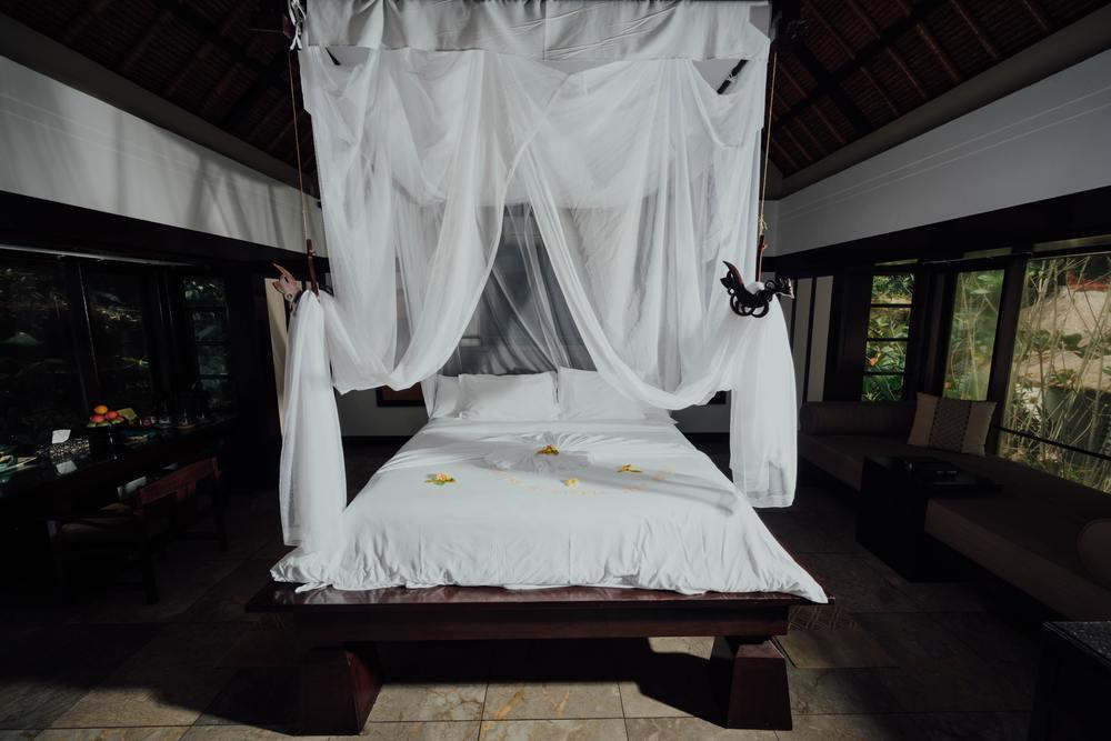 Une moustiquaire ciel de lit en DIY