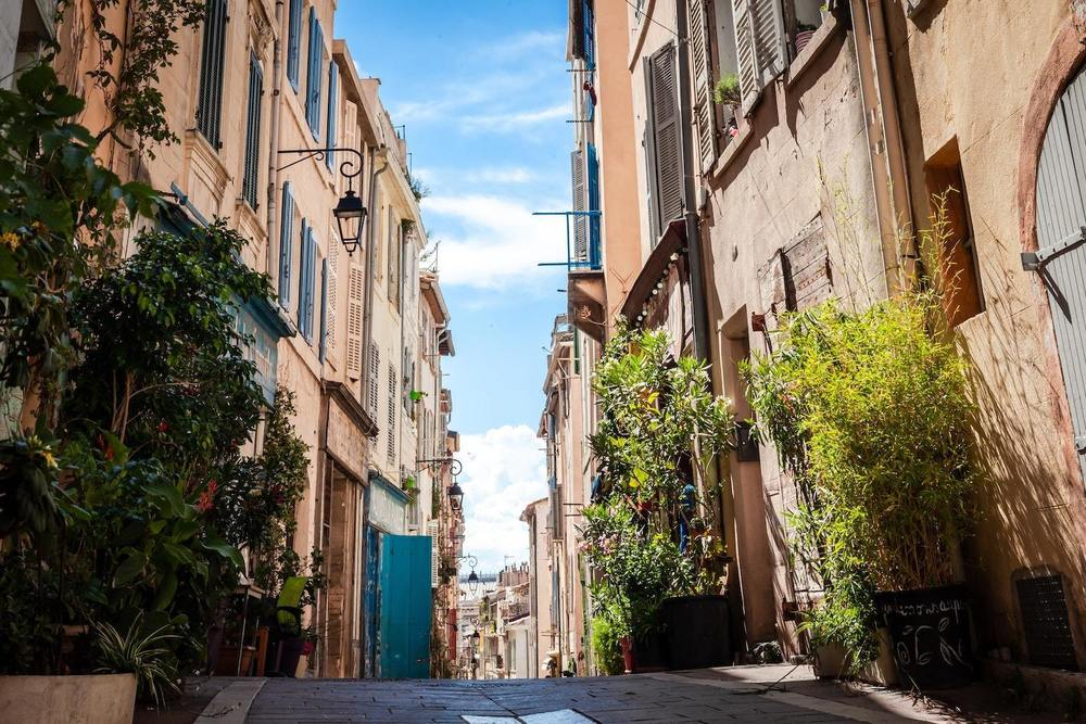 Une rue propre à Marseille
