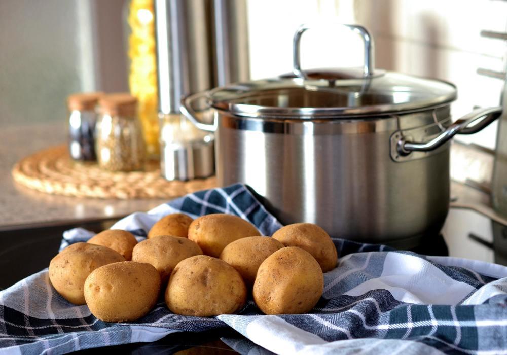 de l'eau de cuisson de pomme de terre
