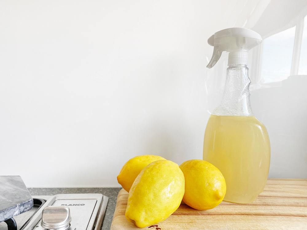 Liquide vaisselle sans savon avec du citron